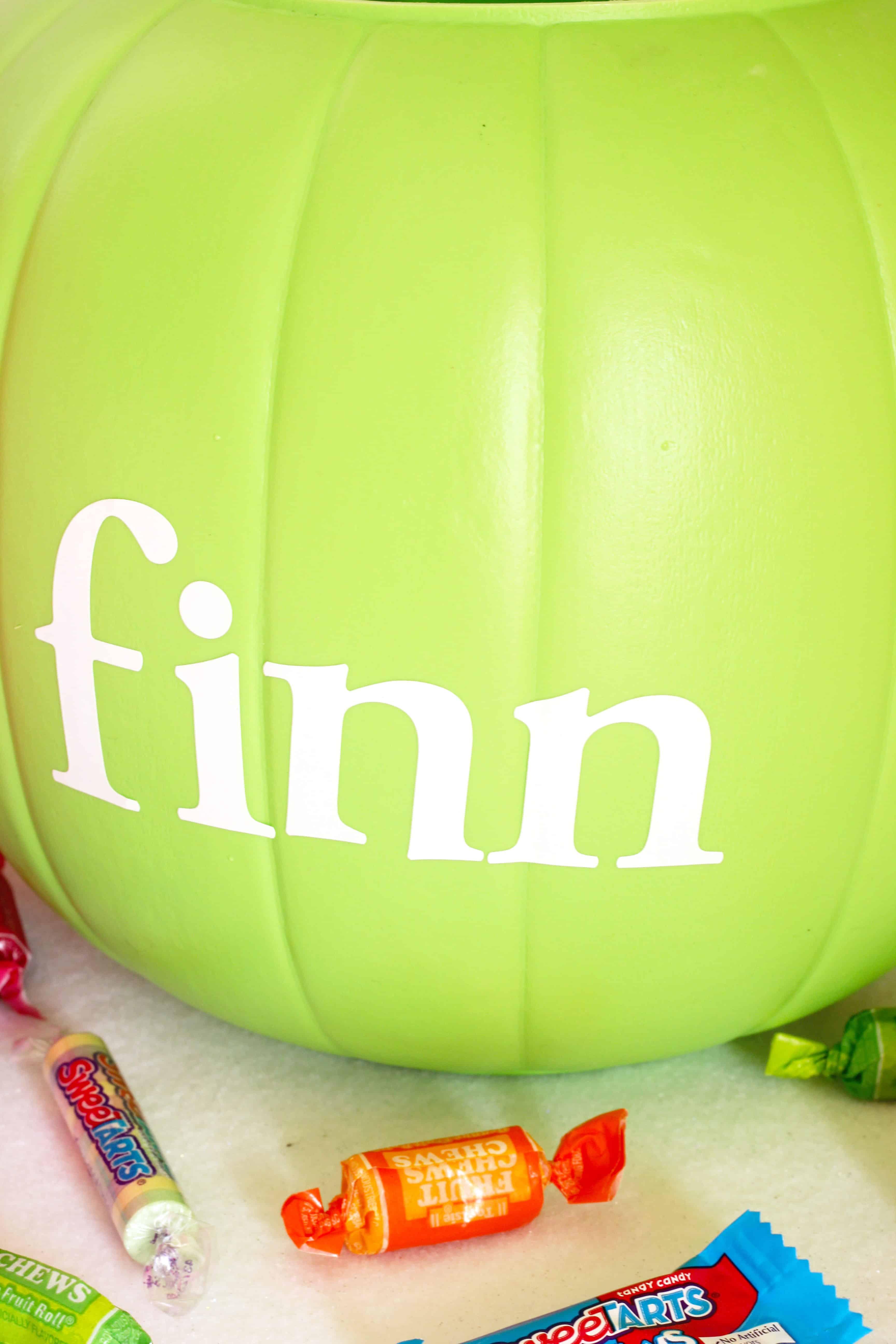 DIY Easy Monogramed Pumpkin Pails for Halloween remarks alphabet stickers
