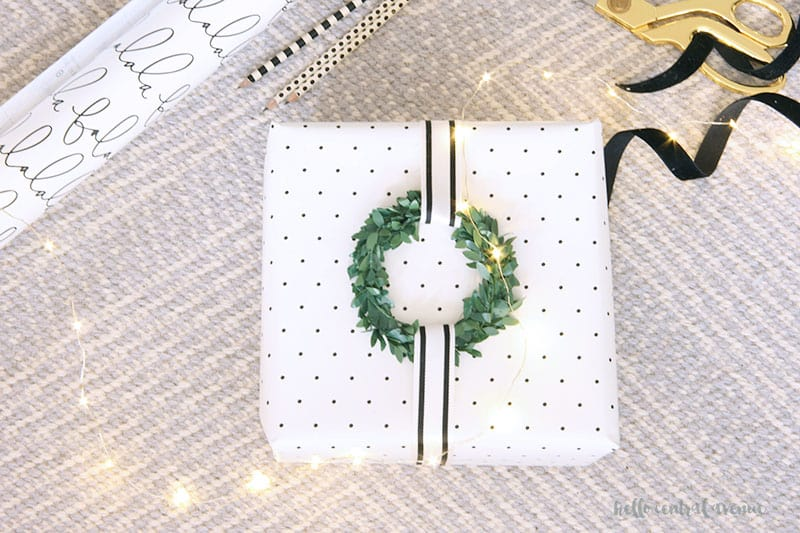 Elegant and easy Christmas wrapping paper ideas