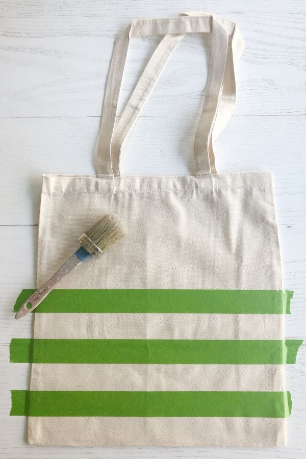 Simple and easy DIY painted canvas tote bags for spring. Step one, choose design.