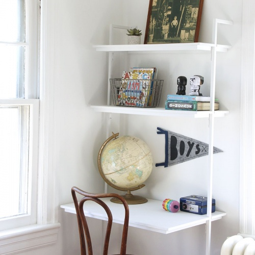 A Chalk Painted Desk and White Walls: 555 Room Challenge week 2