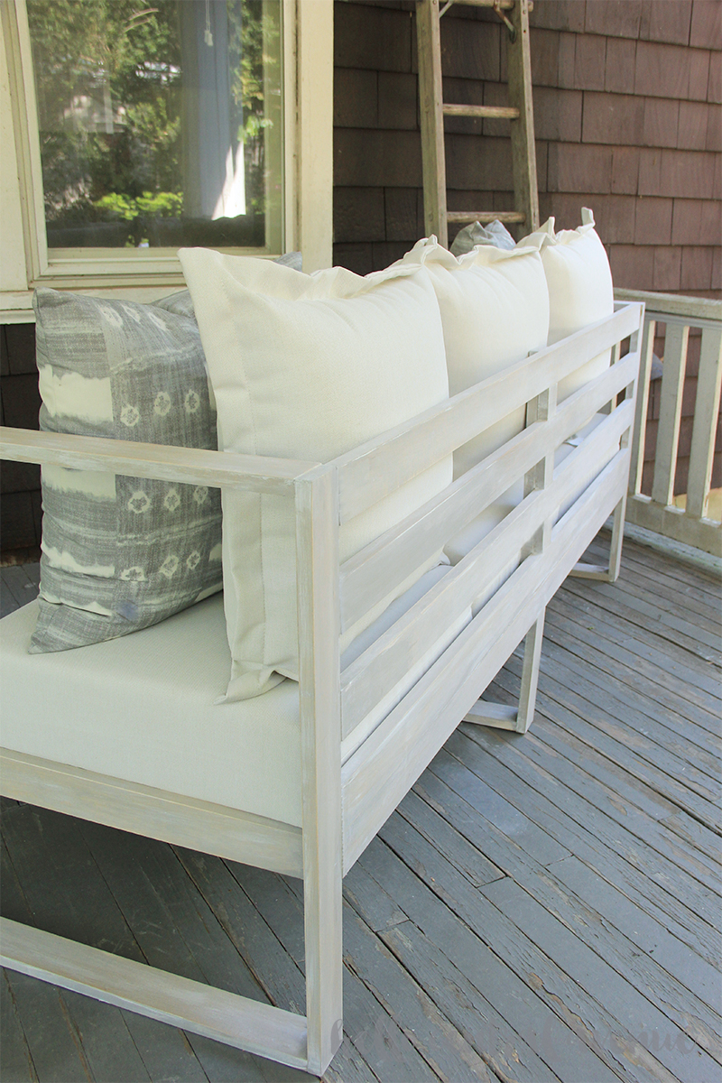 This easy DIY modern outdoor sofa will help you enjoy time at home this summer!